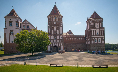 Excursion «Mir and Nesvizh castles (in English)»